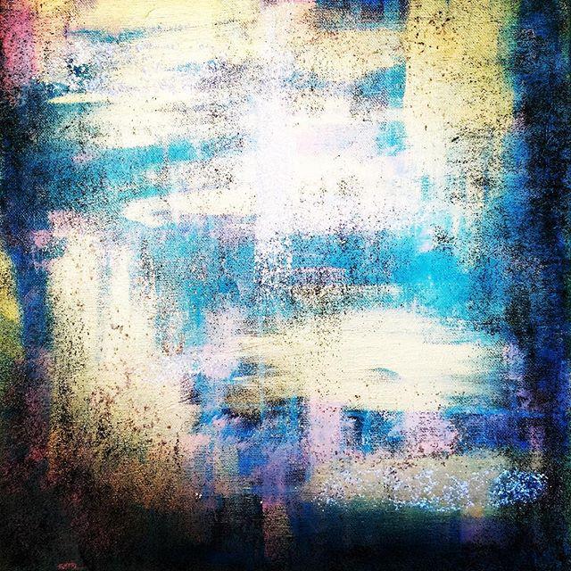 Last one for the night!  #modernartists #contemporaryart #abstract #contemporaryartist #femaleartist #doitfortheprocess #womenwhopaint #artbiz #emergingartist #goldenpaints #abstractogram #flaming_abstracts #abstractaddict #intuitivepainting #fluidart #modernartist #instapaint