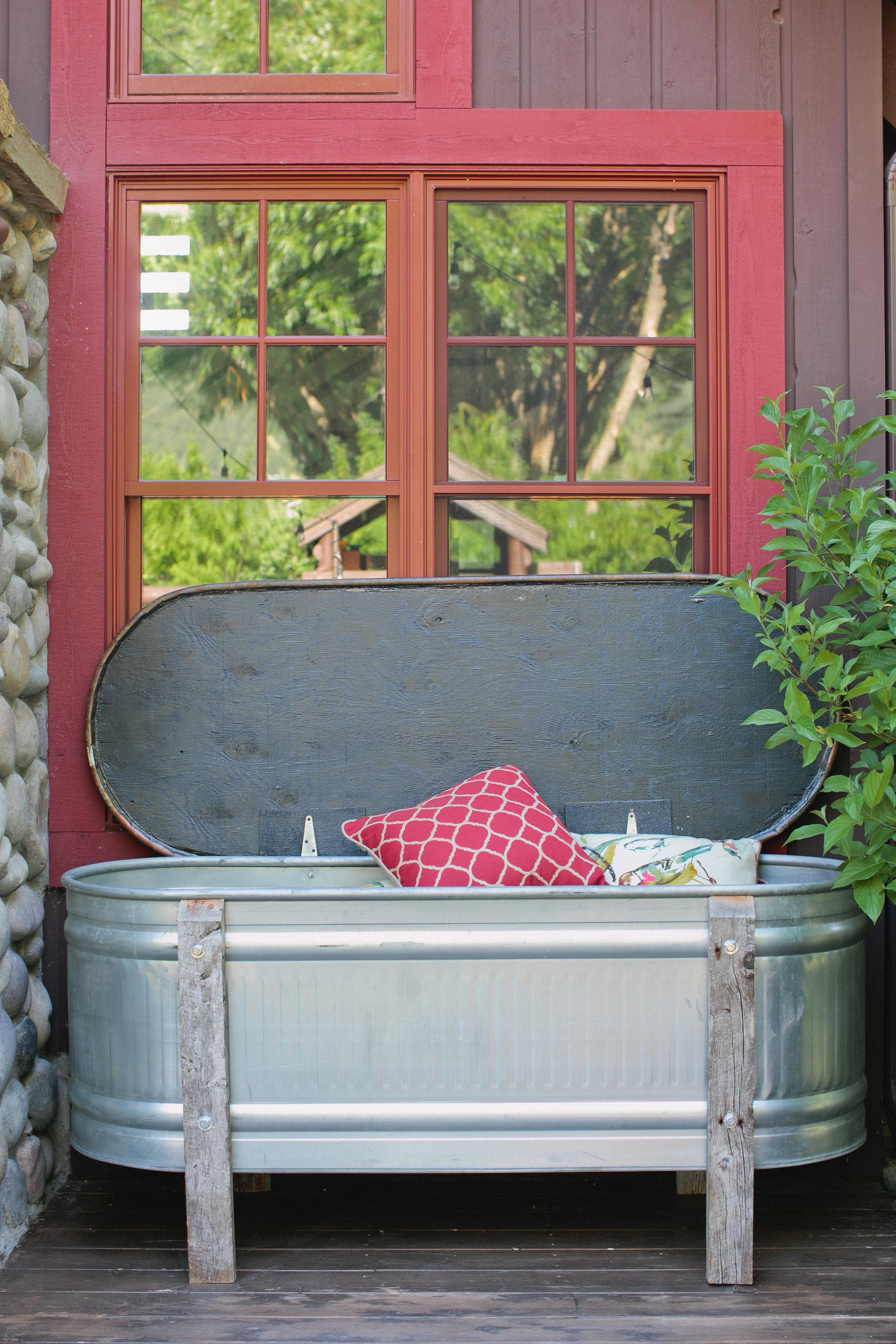 ThatGirlKatie-porch-27.jpg