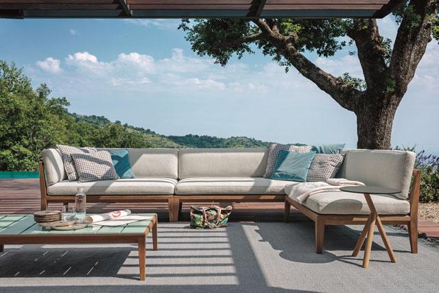 Teak outdoor suite by Teka