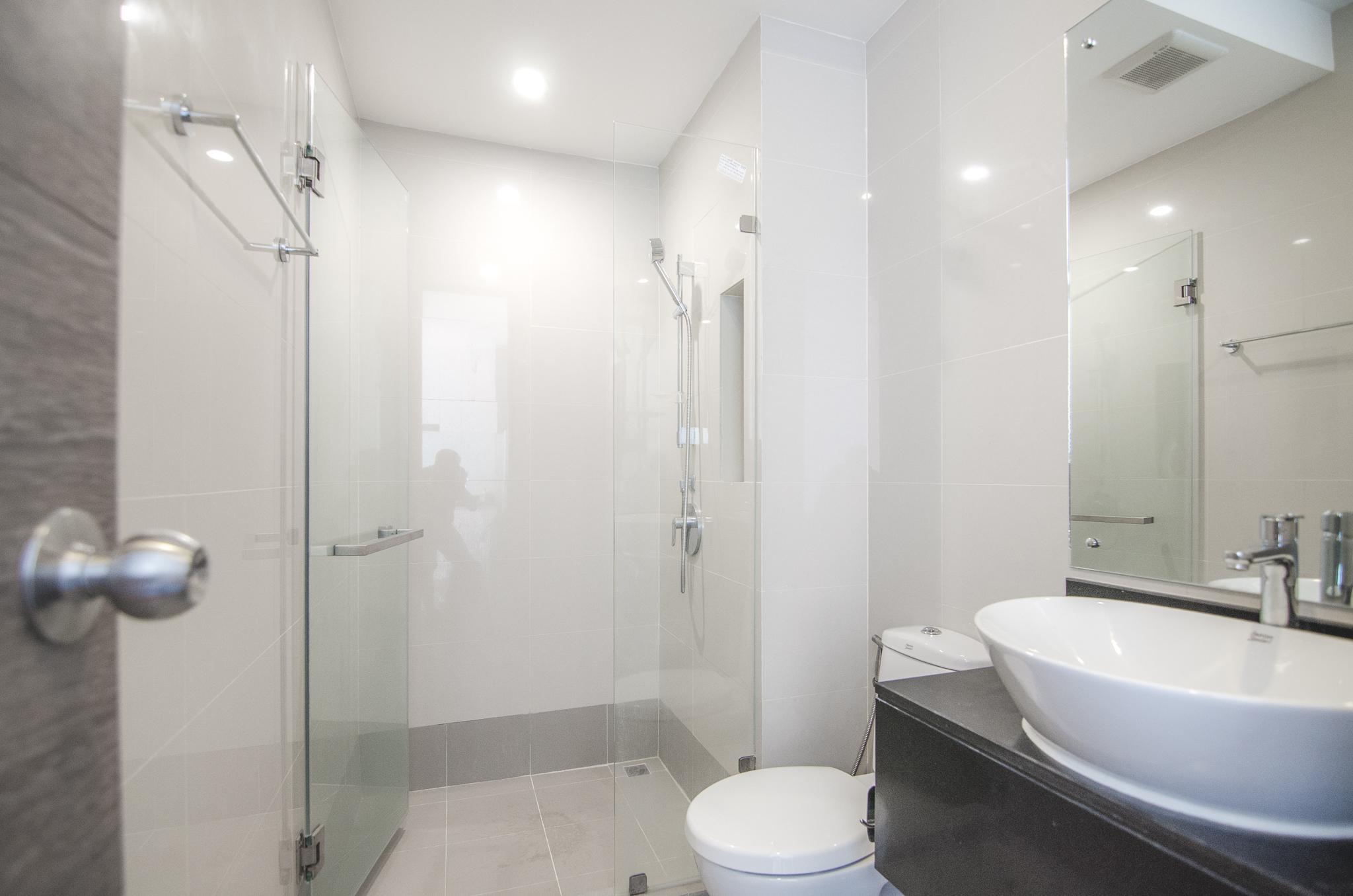 the-nimman-condo-chiang-mai-thailand-bathroom.jpg