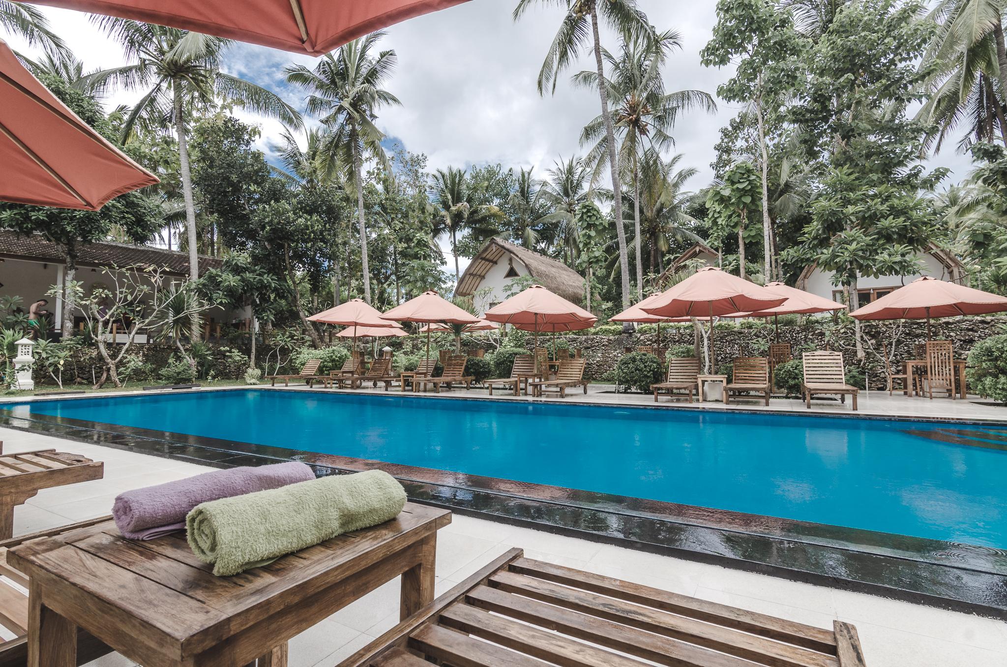 coco-resort-nusa-penida-bali-outdoor-pool.jpg