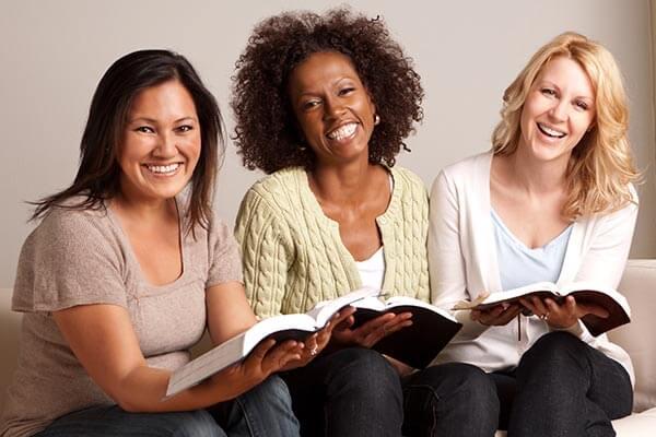 small-group-bible-study-topics-themes-tips.jpg