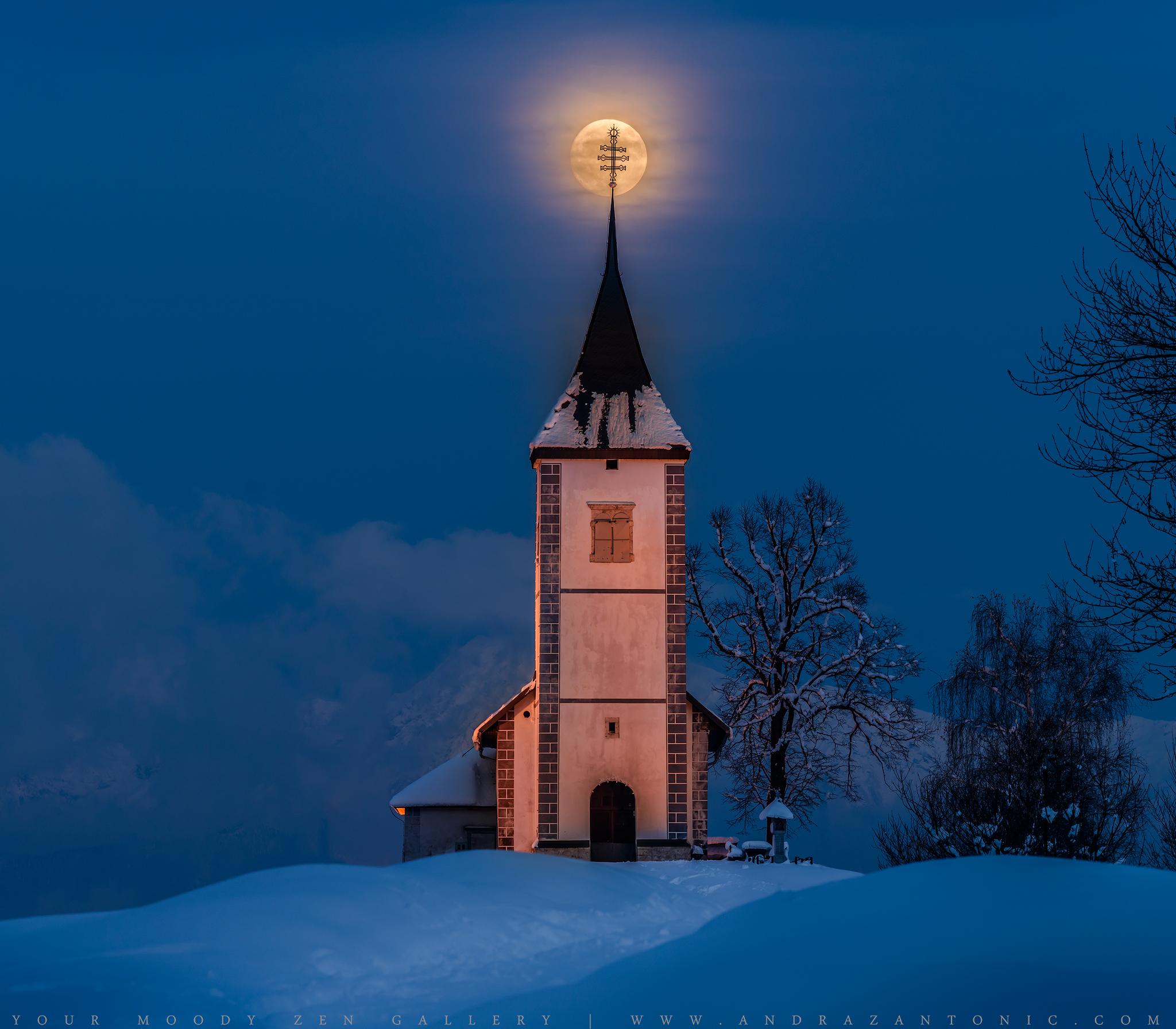 Moonrise over Jamnik