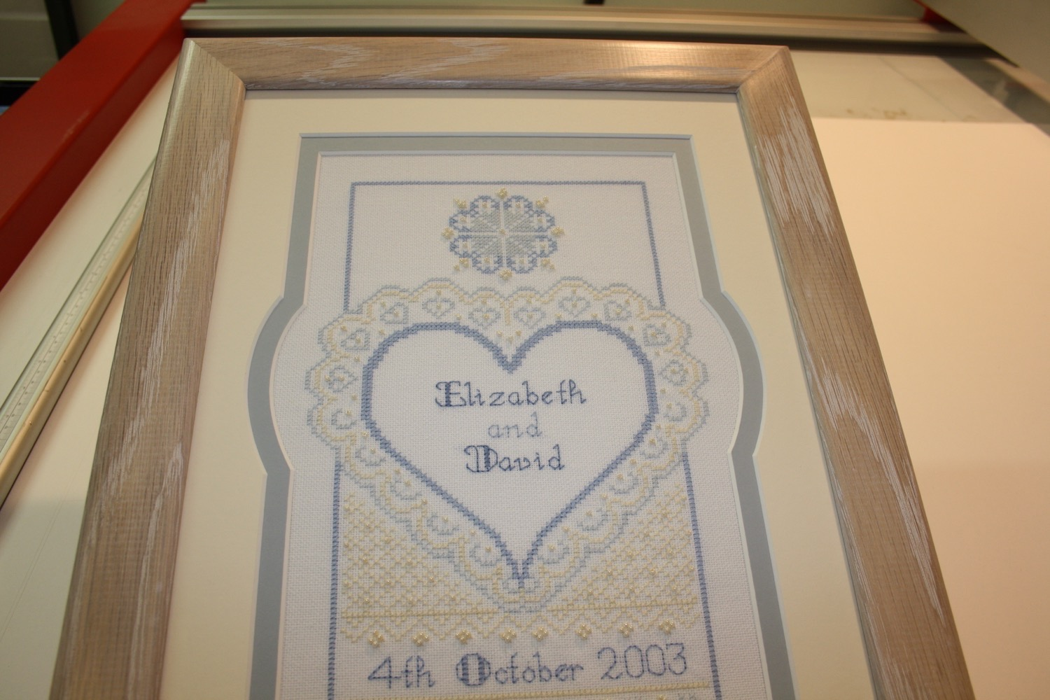 hampshire-picture-framing-specialist-mounting-008.JPG