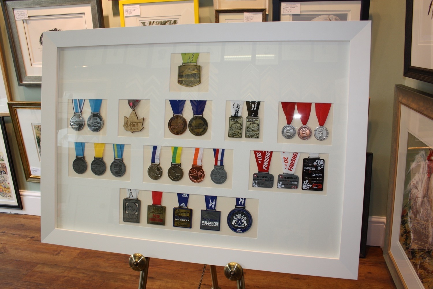 hampshire-picture-framing-medals-012.JPG