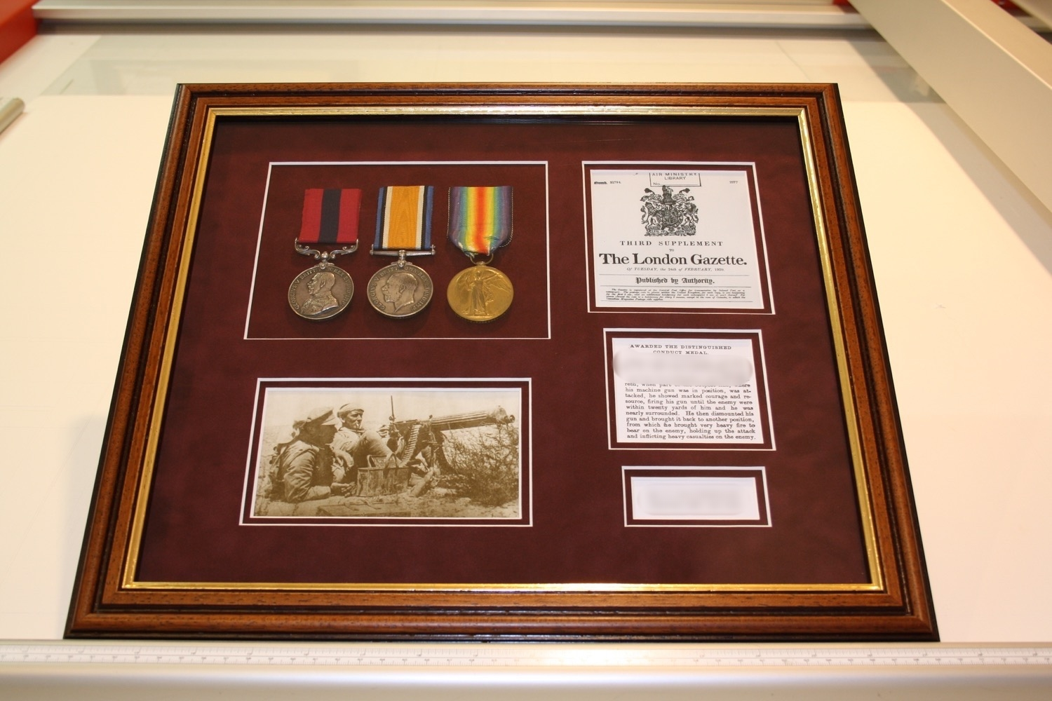 hampshire-picture-framing-medals-003.JPG