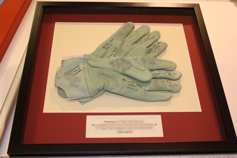 hampshire-picture-framing-framed-memorabilia-007.JPG
