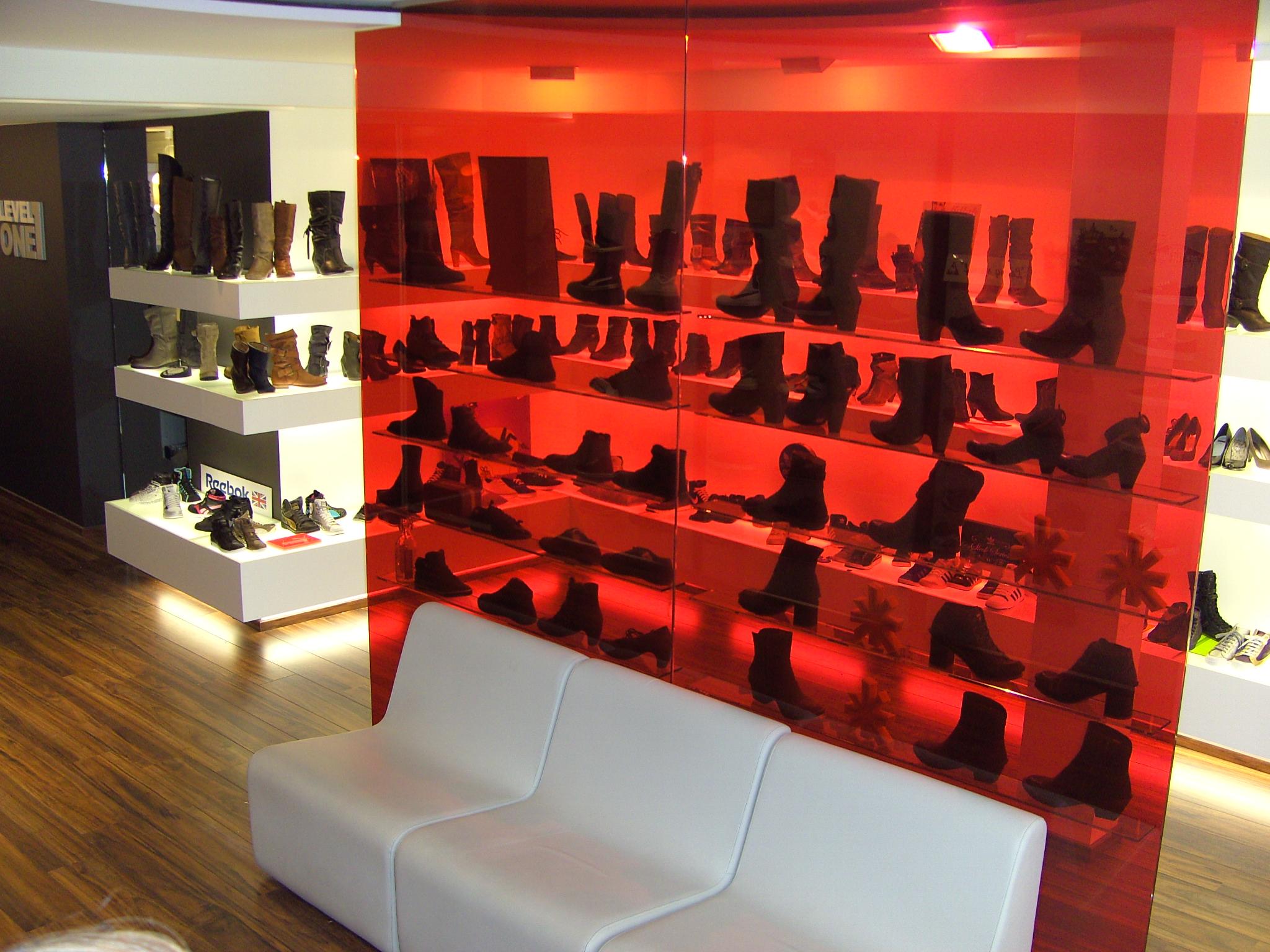 All Interior Projects, ontwerp, Interieurvormgever, interieurarchitect, Gent, gentbrugge, winkel, boutique, apotheek, boetiek, schoenenwinkel, klerenwinkel, inrichting, verbouwing, interieur