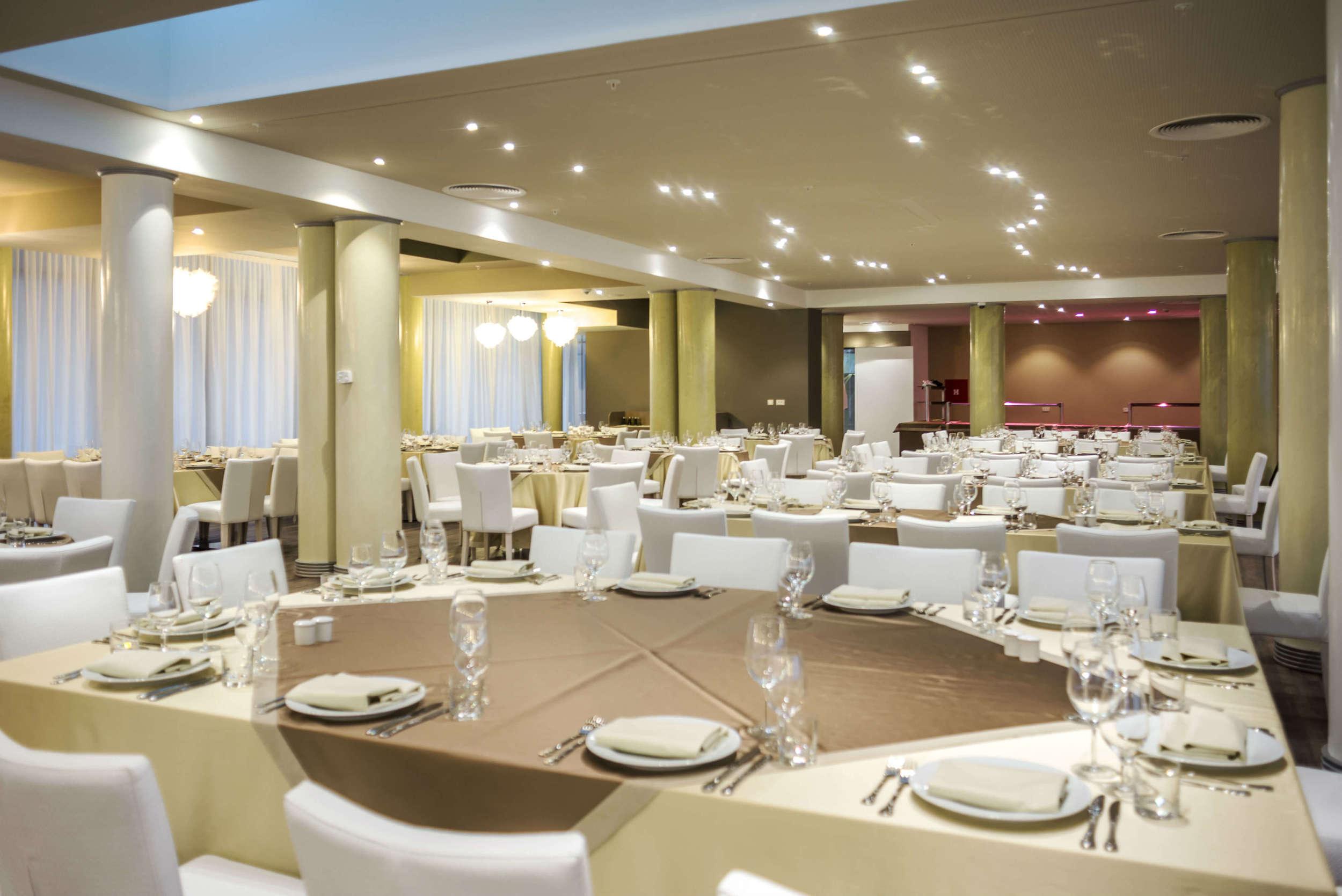 Main restaurant (3).jpg