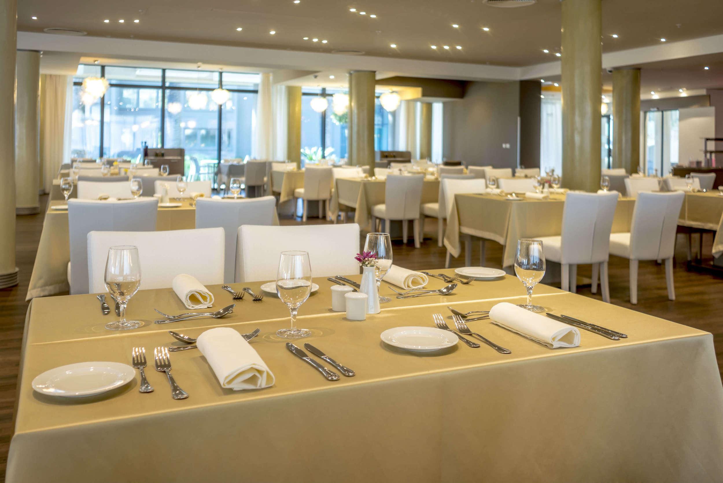 Main restaurant (2).jpg