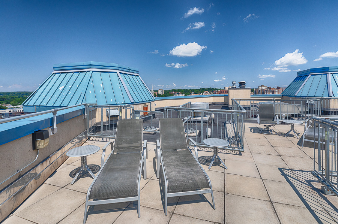 Roofdeck Lounge.JPG
