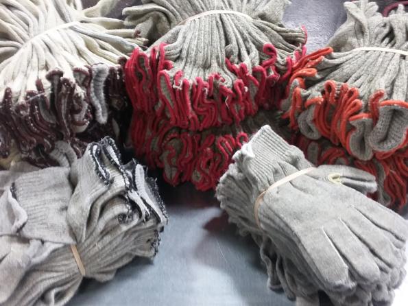 Product_image_Gloves.jpg