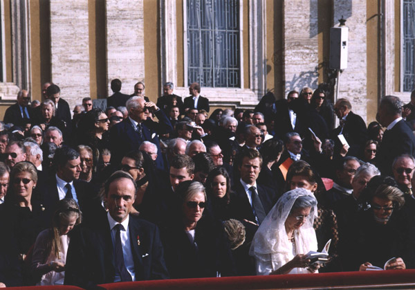 Many countries sent delgations to the event. Queen Fabiola of Belgium can be seen wearing the traditional white of a Catholic queen.