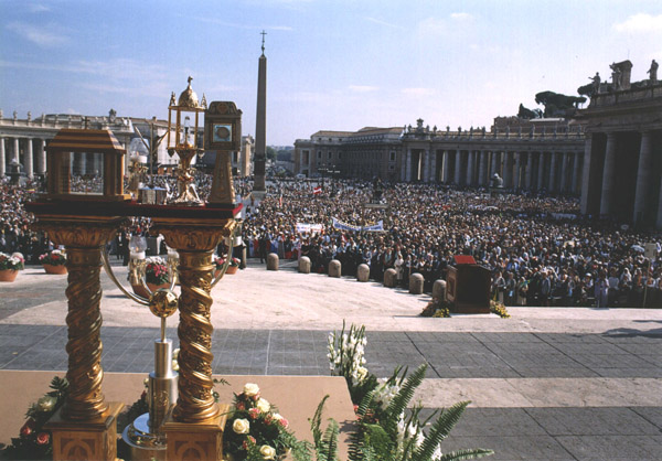 The relics of the five new Blesseds, with a view of over 50,000 people attending the Mass.