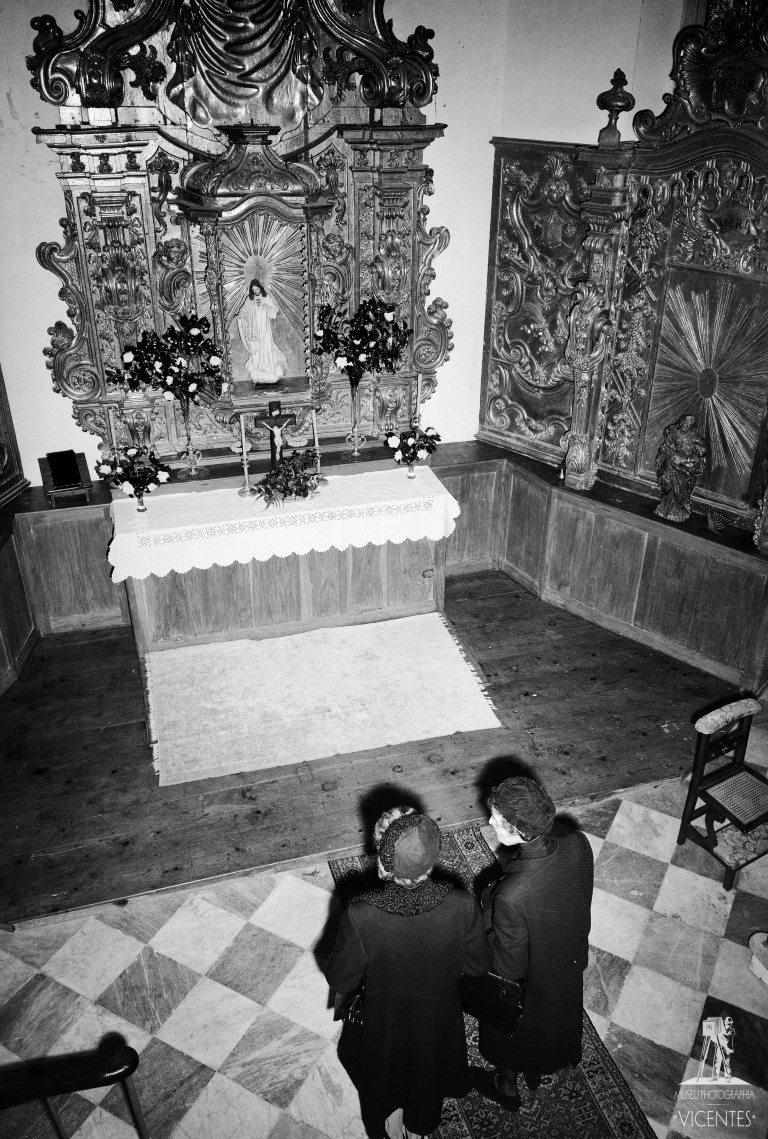 Empress Zita and her daughter Adelheid visit the Chapel of the Sacred Heart of Jesus at the Villa Quinta do Monte,Madeira, on January 11, 1968. Photo courtesy of Fr. Cyrille Debris (via Sister Joana da Cruz)