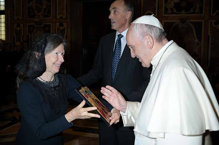 Suzanne Pearson, U.S.A. and Canada Delegate, Presents Pope Francis With an Icon of Blessed Karl.