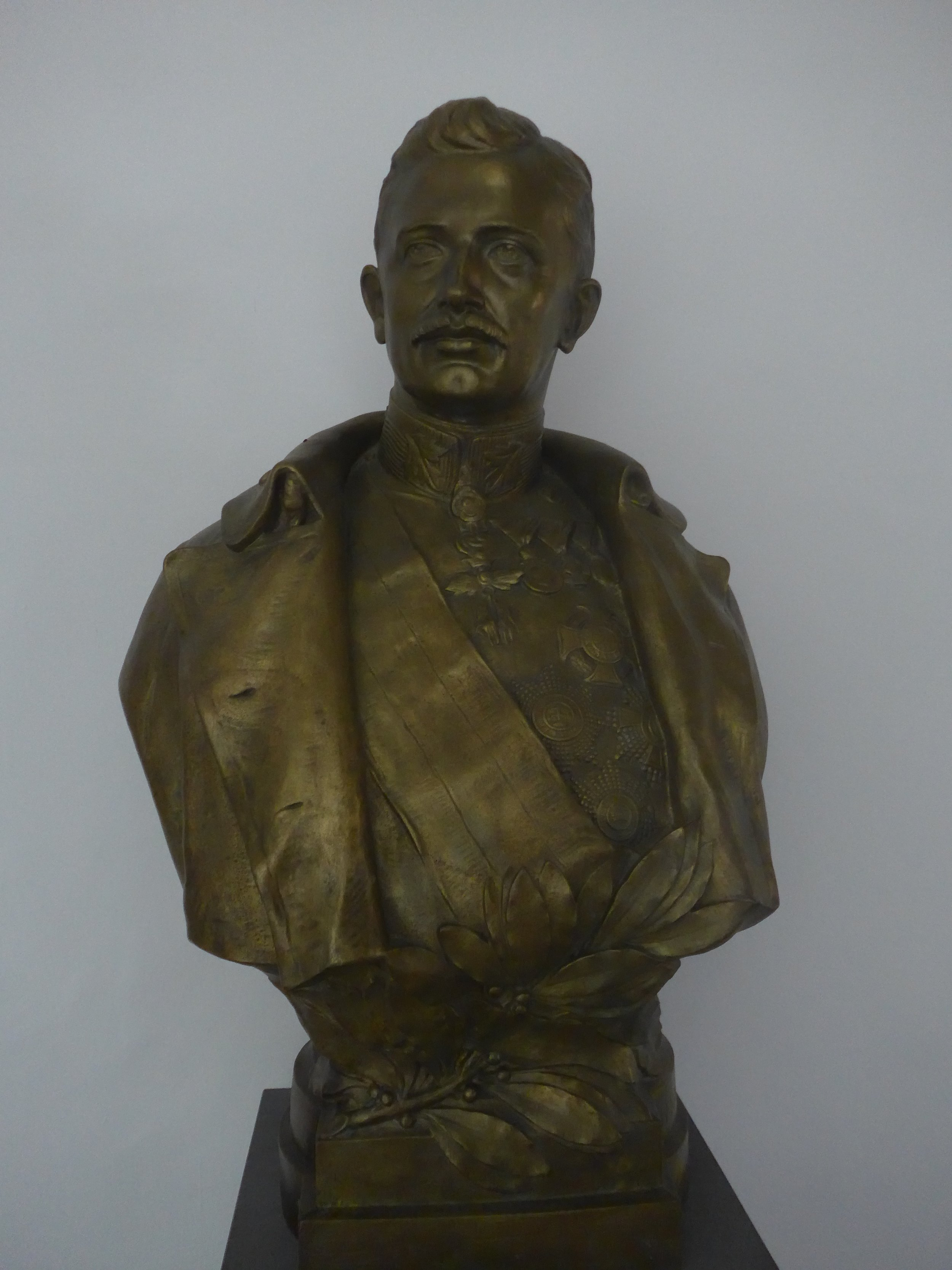 Karl Bust