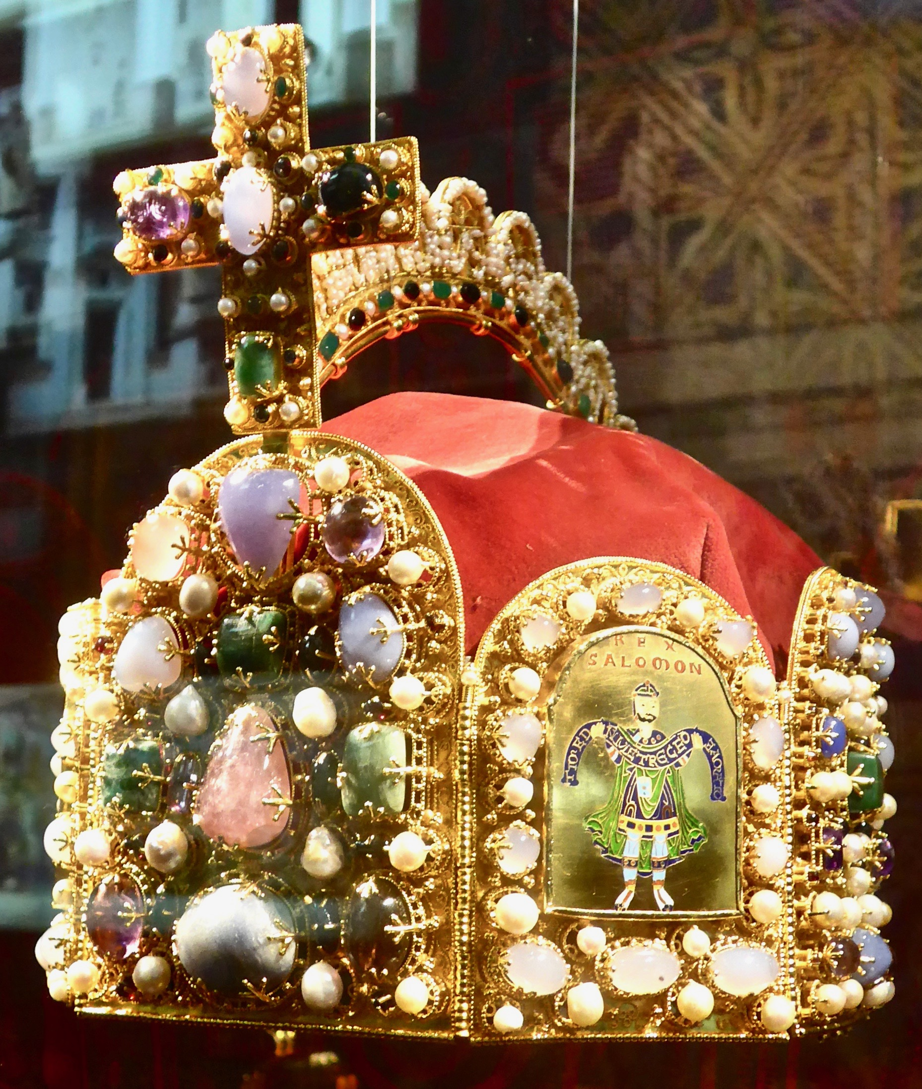 A replica of Karl's crown as the Holy Roman Emperor, showcased in Nuremberg.