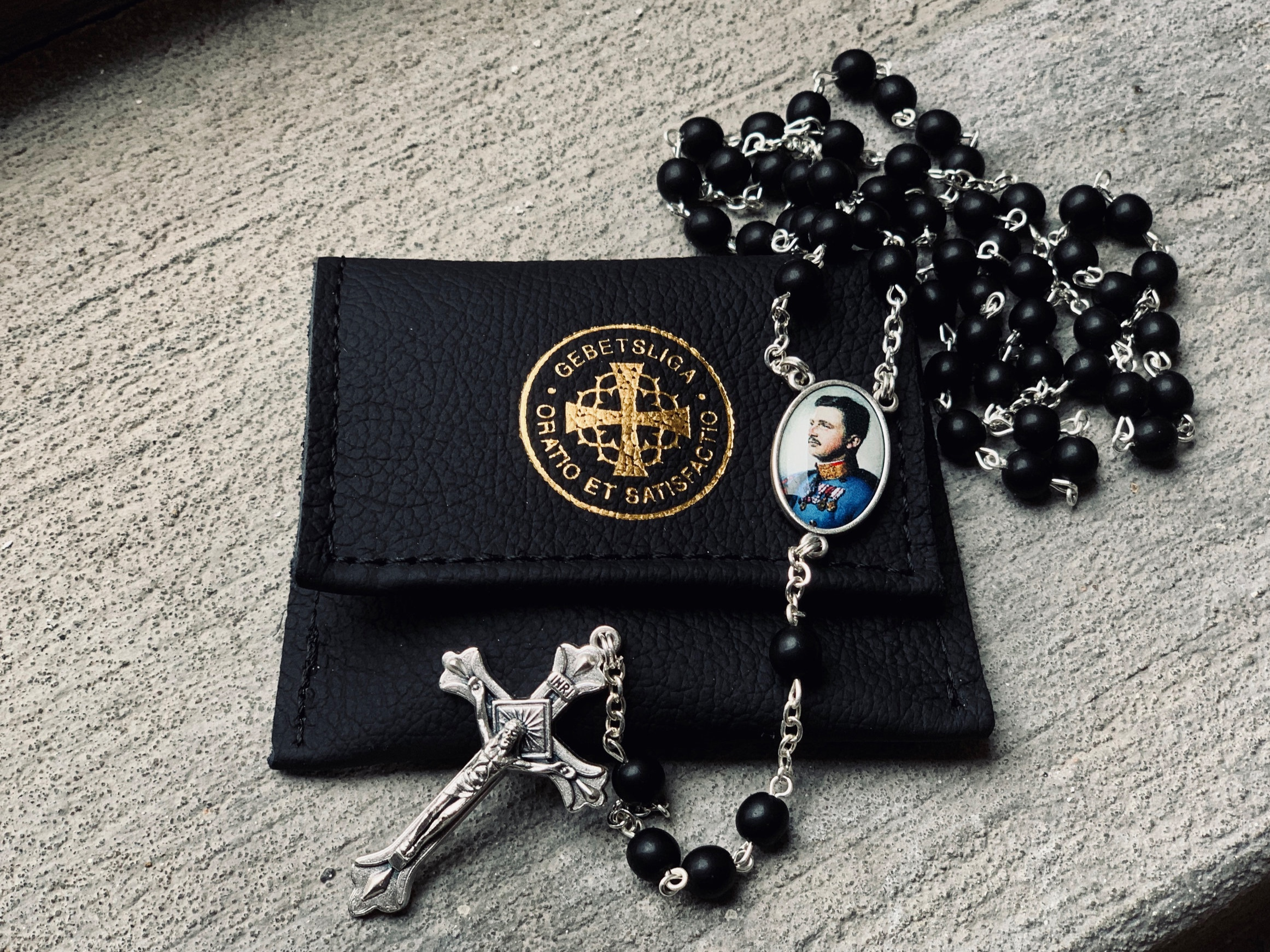 Gebetsliga_Rosary_Displayed_2019.jpg