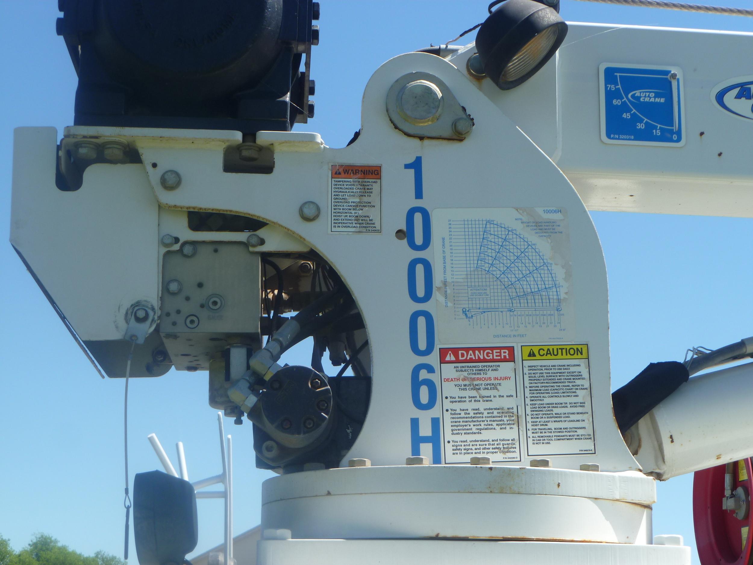 2009 Peterbilt service truck_16.JPG