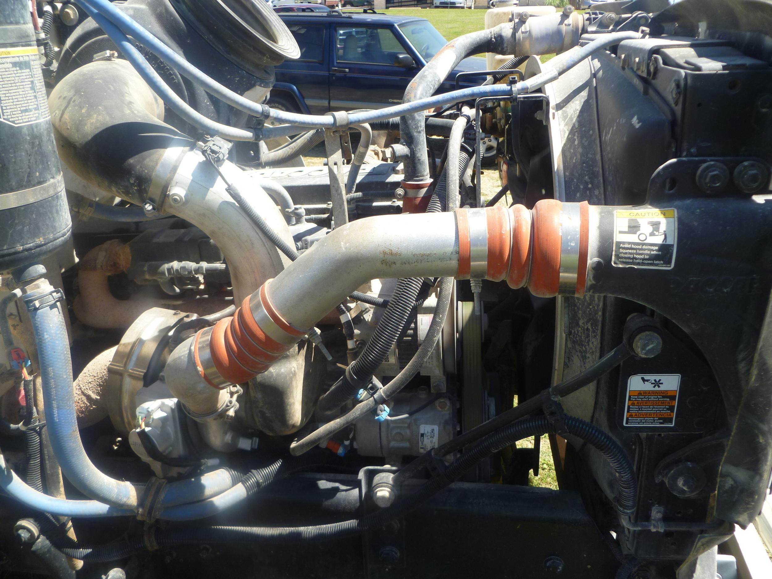 2009 Peterbilt service truck_23.JPG