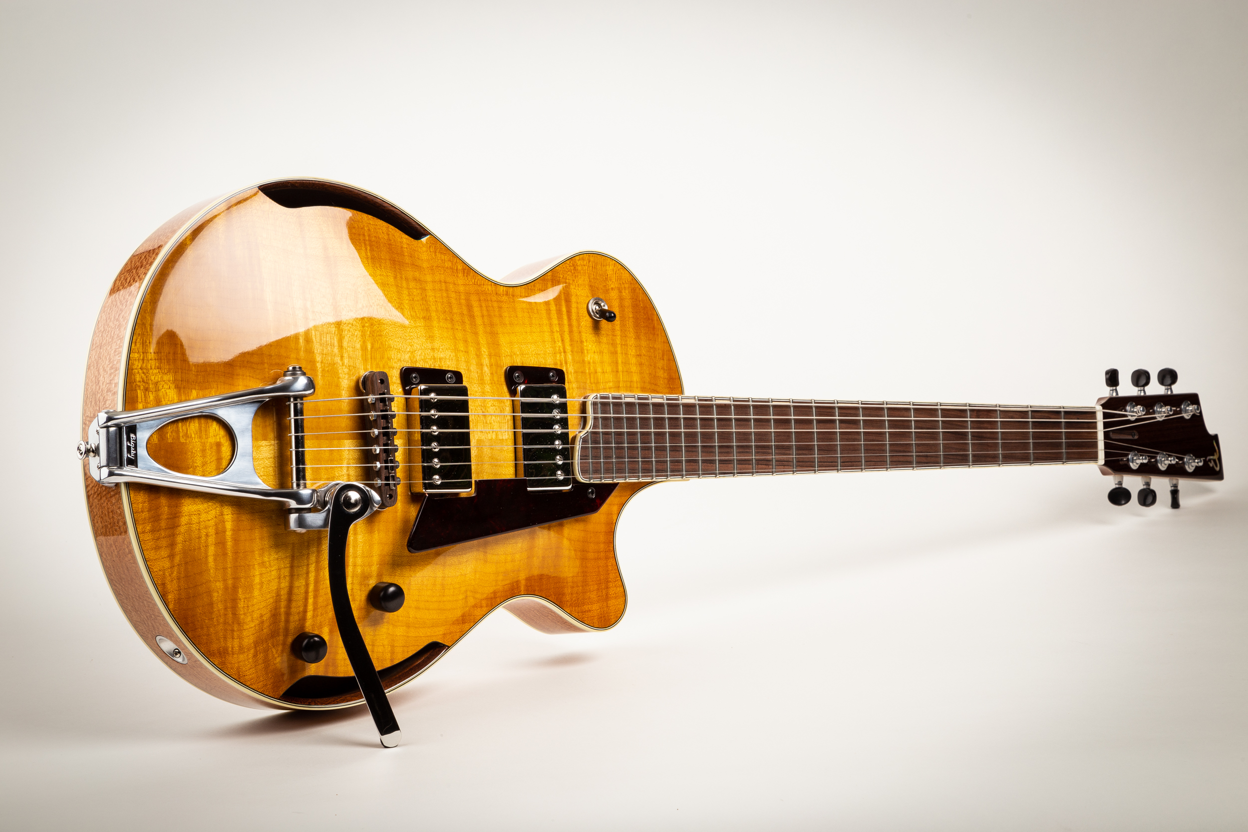 Blonde bombshell w/Bigsby flat trem. Available at    Destroy All Guitars