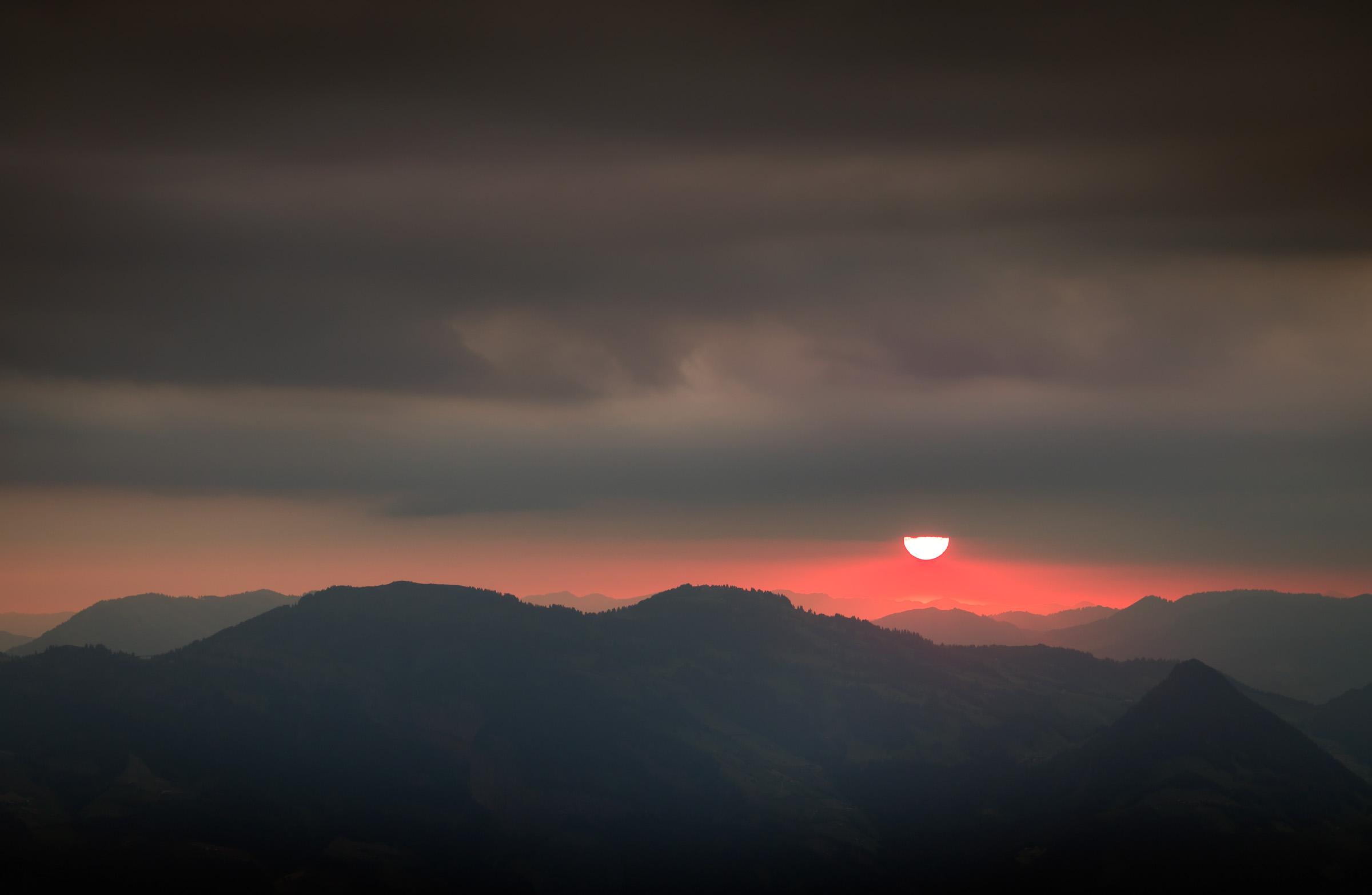 ubsmountainoffer-sunrise.jpg