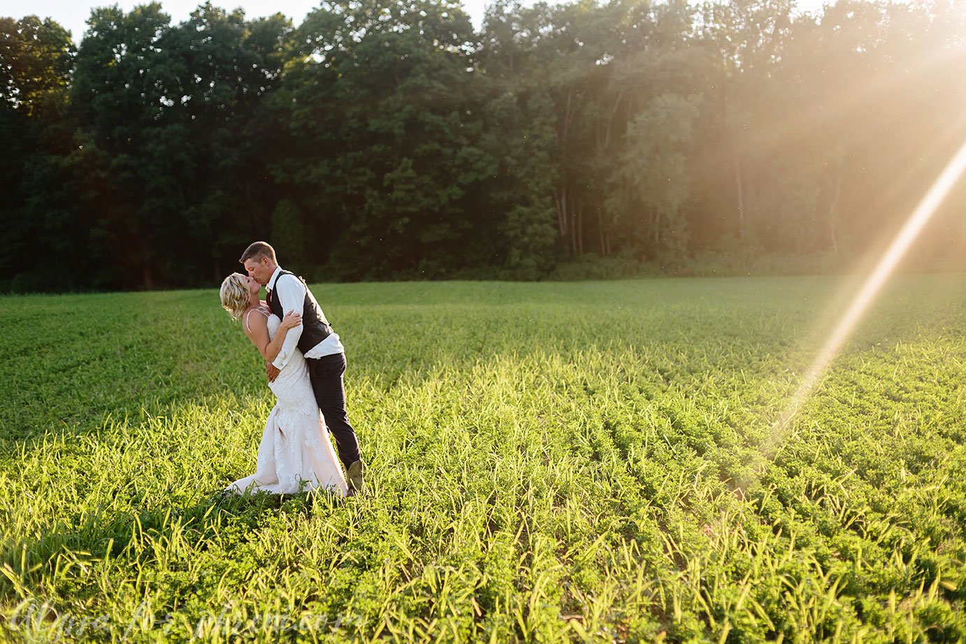 Michigan_Backyard_Wedding_121.jpg