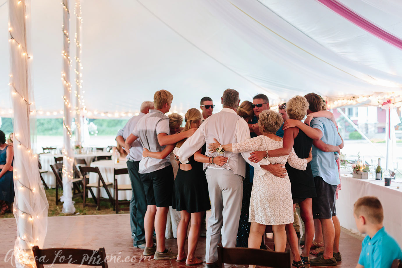 Michigan_Backyard_Wedding_137.jpg