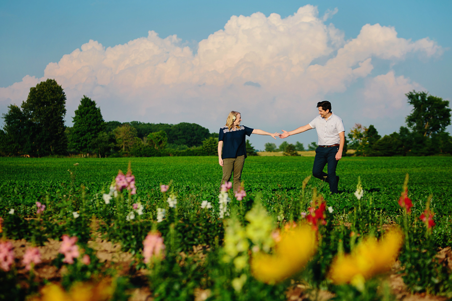 field of flowers engagement photography015.jpg