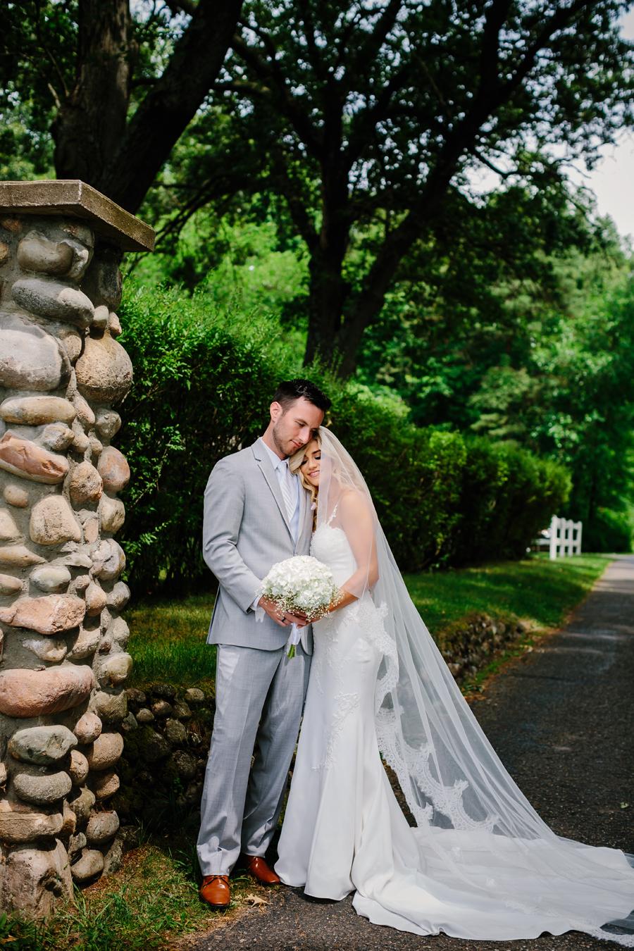 Bay Pointe Inn Wedding080.jpg