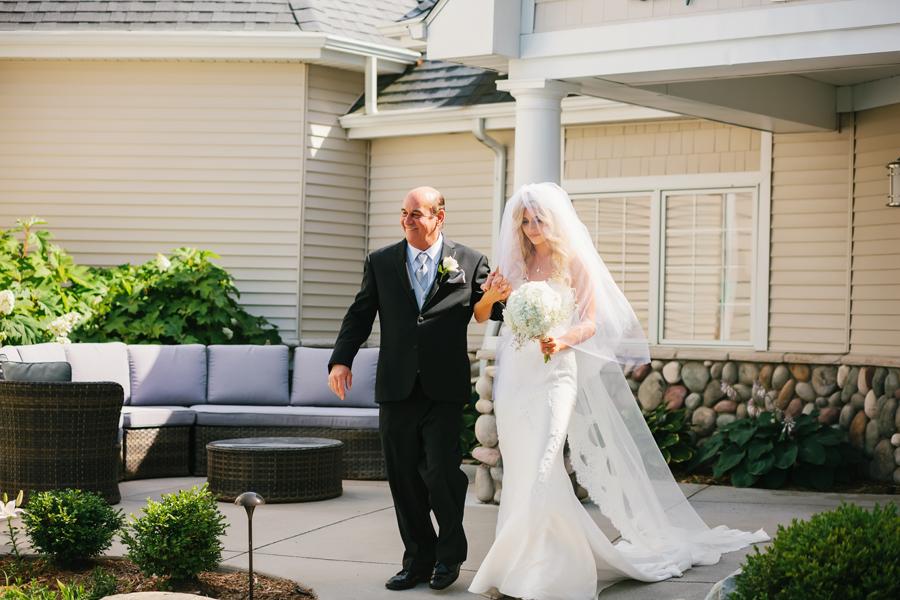 Bay Pointe Inn Wedding121.jpg