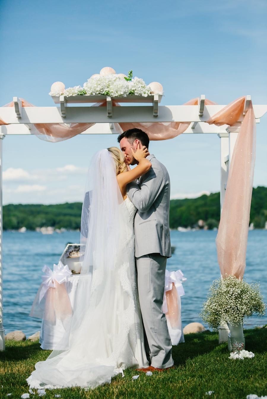 Bay Pointe Inn Wedding141.jpg