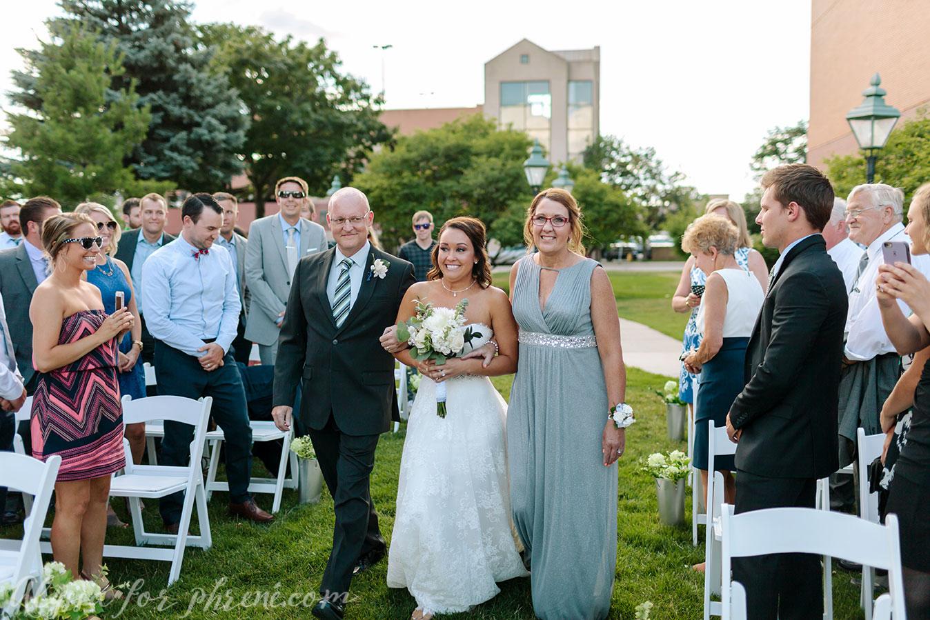Grand_Rapids_Public_Museum_Wedding_071.jpg
