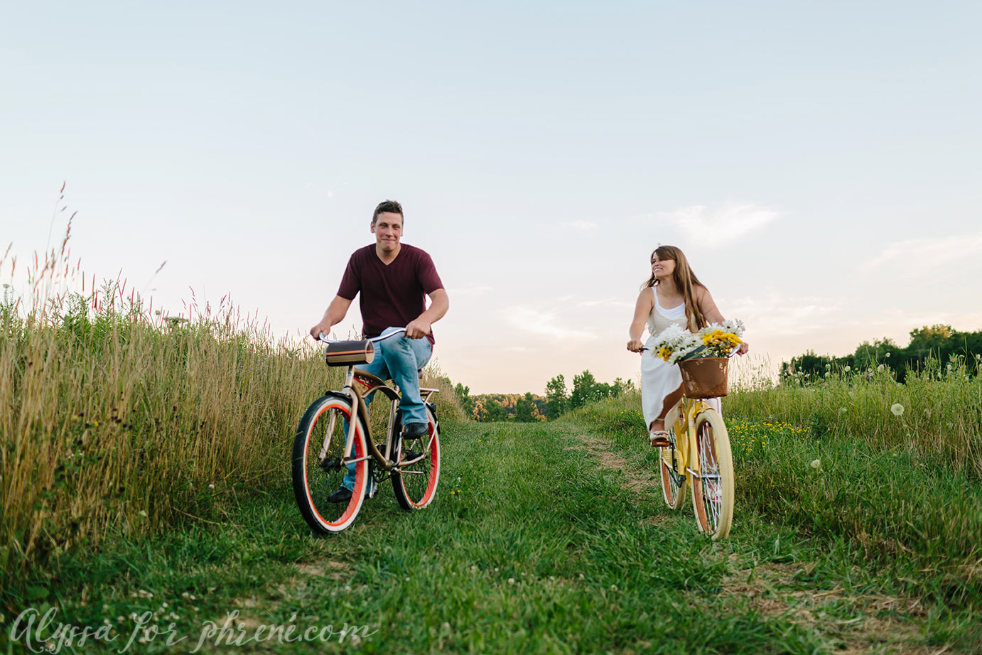 Grand_Rapids_Engagment_Photographer26.jpg