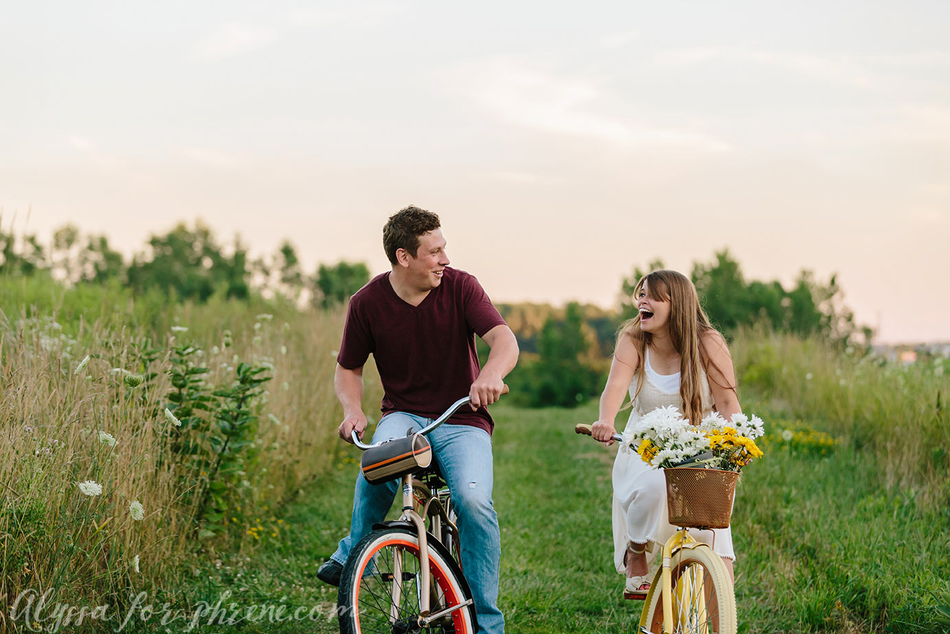 Grand_Rapids_Engagment_Photographer27.jpg