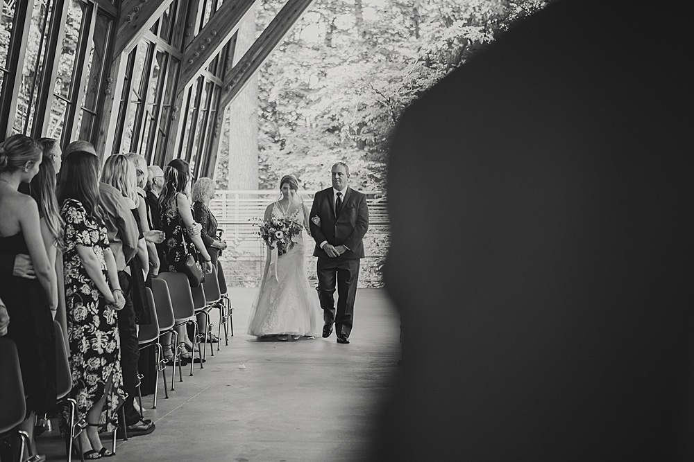 Bissell_Treehouse_Wedding_photography080.jpg