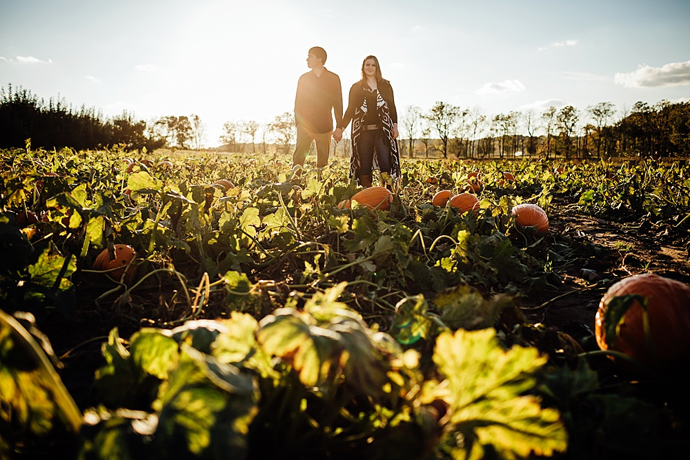fall_apple_orchard_engagement-photography032.jpg
