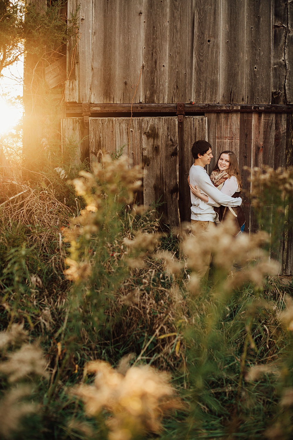 fall_apple_orchard_engagement-photography043.jpg