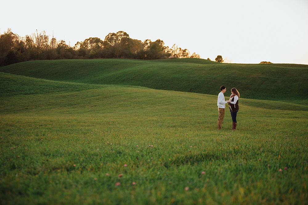 fall_apple_orchard_engagement-photography052.jpg