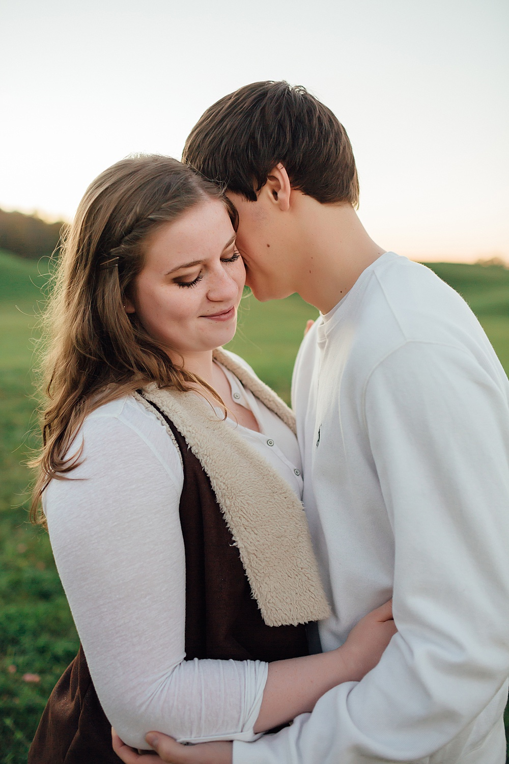 fall_apple_orchard_engagement-photography066.jpg
