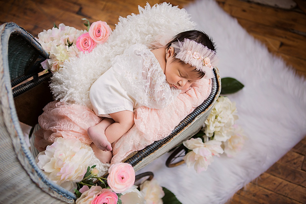 vibrant-colors- newborn-photography01.jpg