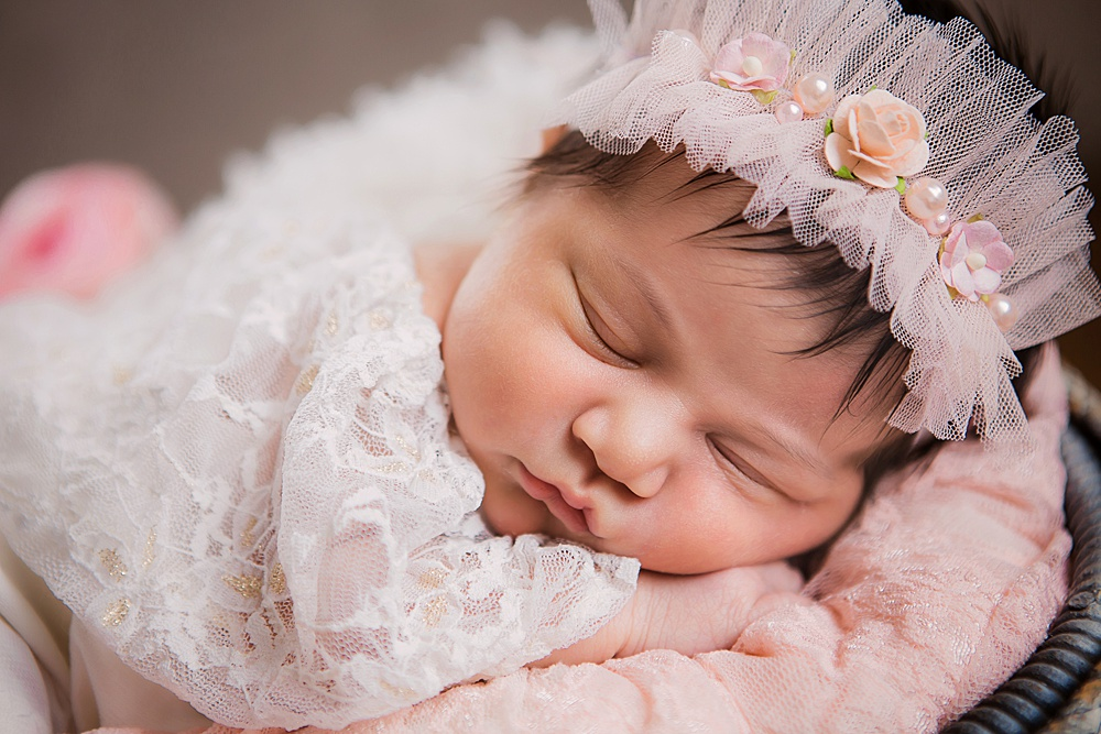 vibrant-colors- newborn-photography02.jpg