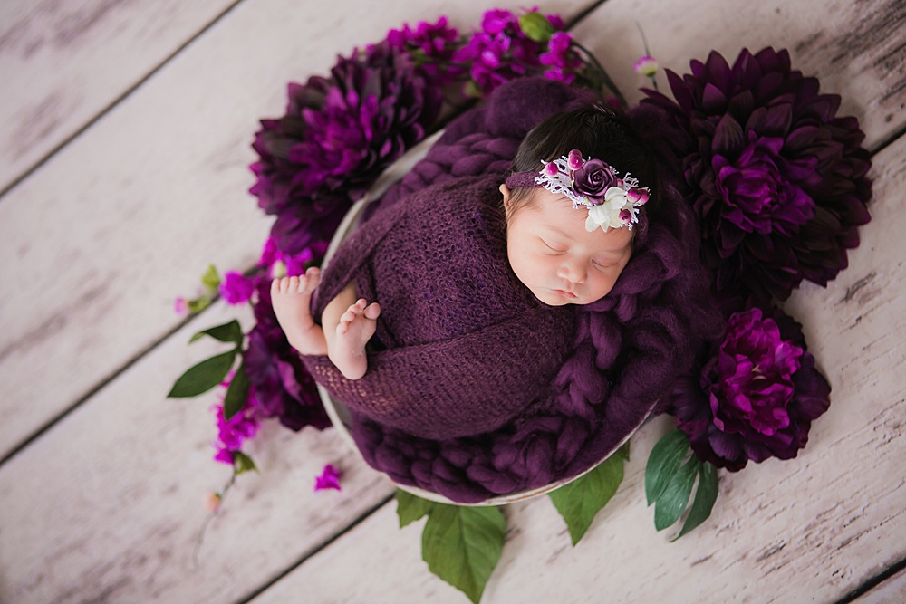 vibrant-colors- newborn-photography17.jpg