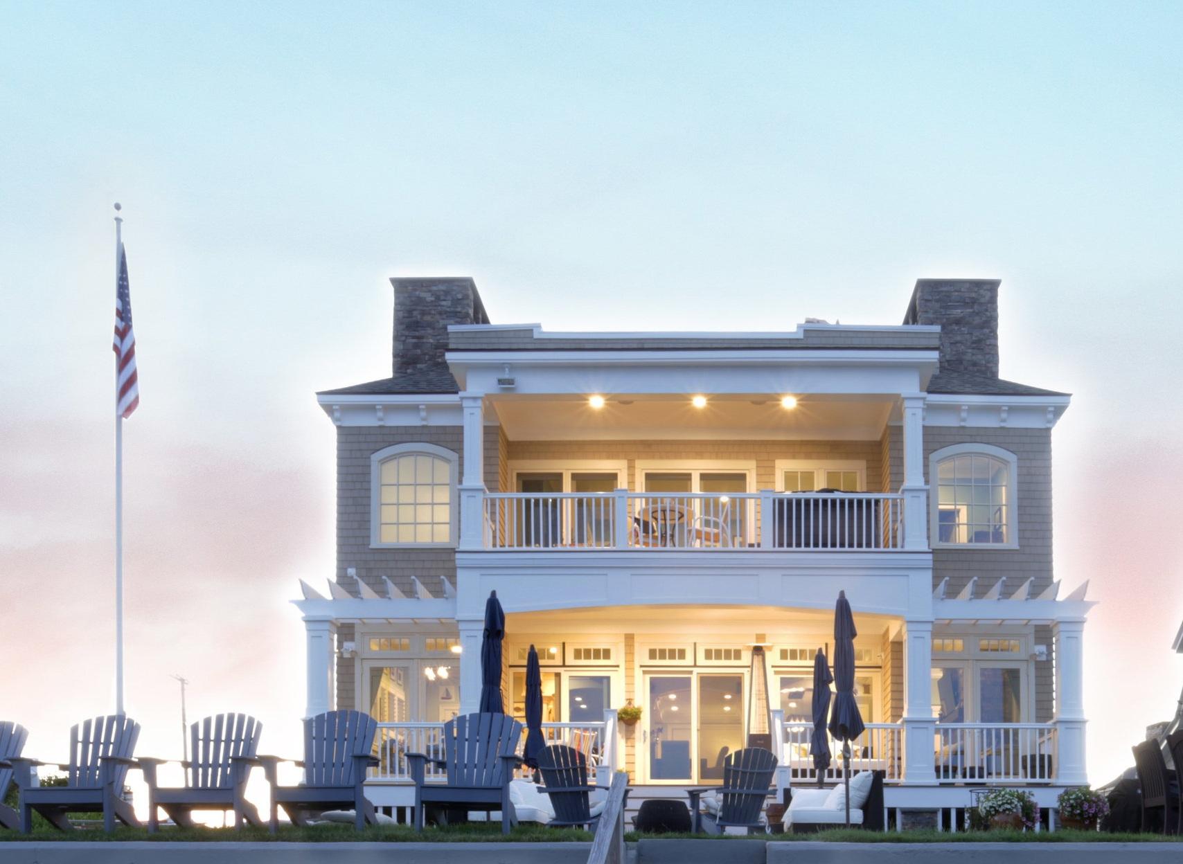 Lindsey-Architects-Beach-Front-Custom-Home-2.jpg