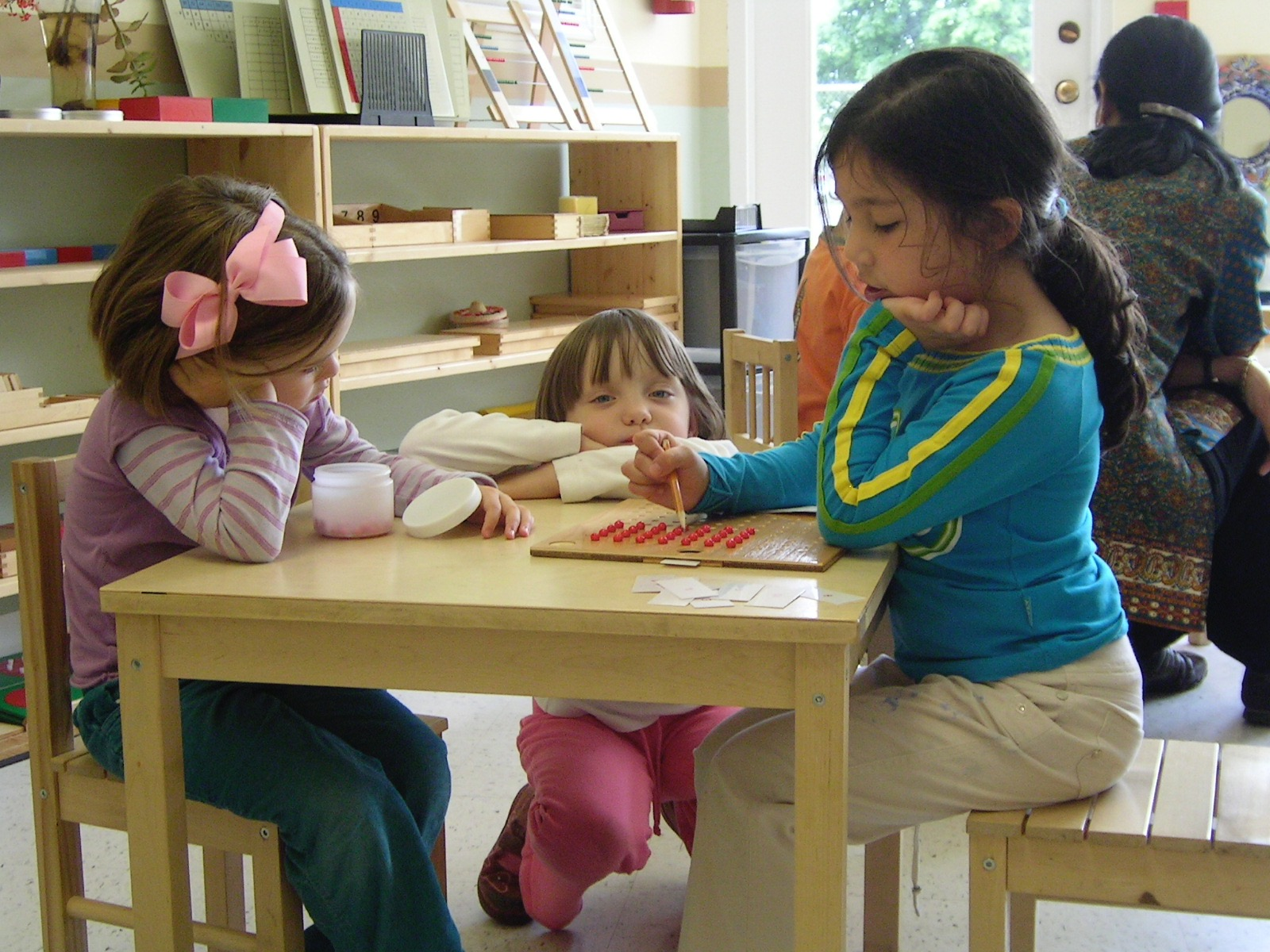 Children working in classroom at Kaban Montessori in Mississauga.
