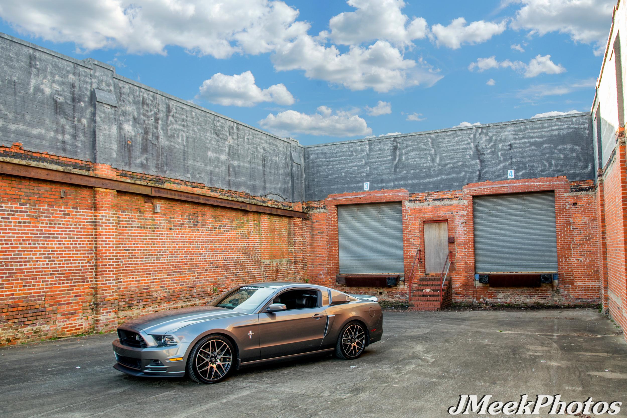 Mustang GT  Motiv Wheels 409MB Magellan