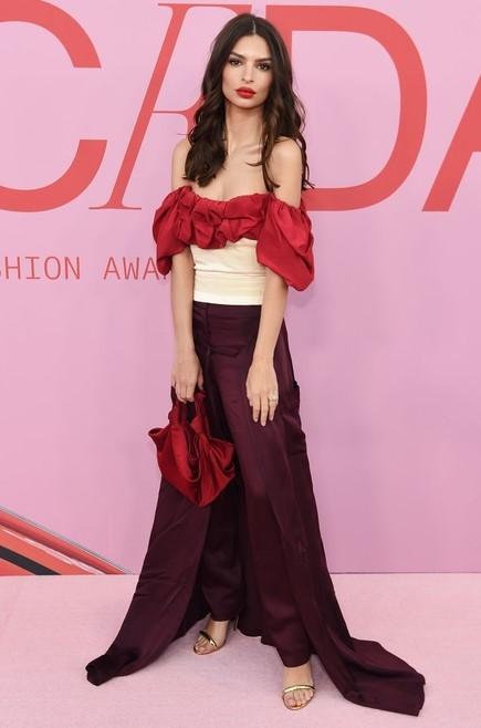 Emily Ratajkowski wearing SS19 Look 1 to the CFDA Awards