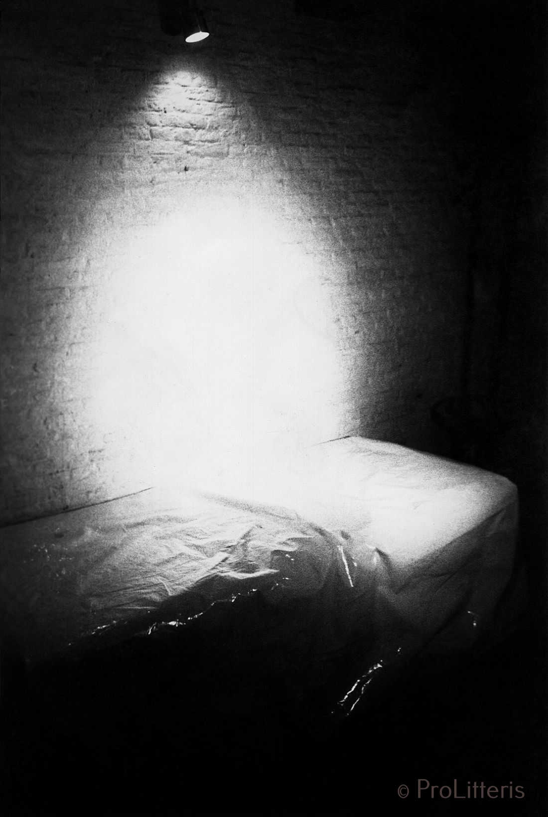 Die Graue Wand oder 36 schlaflose Nächte
