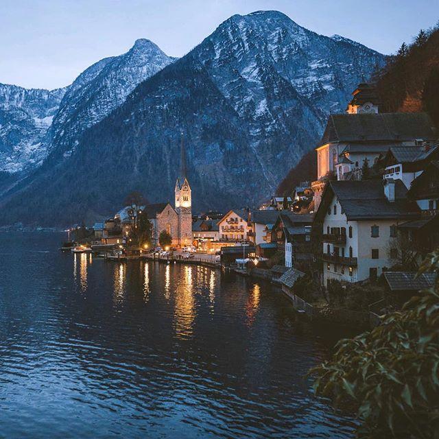🎄 Feliz Navidad a todos esperamos que la pasen en familia y que los regalos estén llenos de salud 🎁 📷 Johannes Hulsch #naturaleza #arquitetura #austria